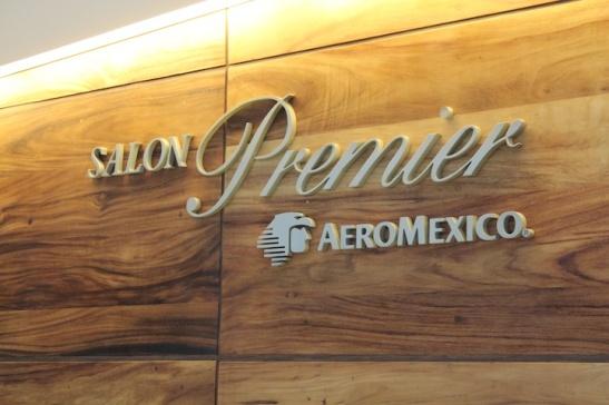Entrance to the Salon Premier in Terminal 2 (Photo: Darren Popik)