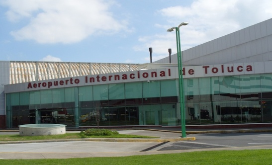 Aeropuerto Internacional de Toluca (Photo: Darren Popik)