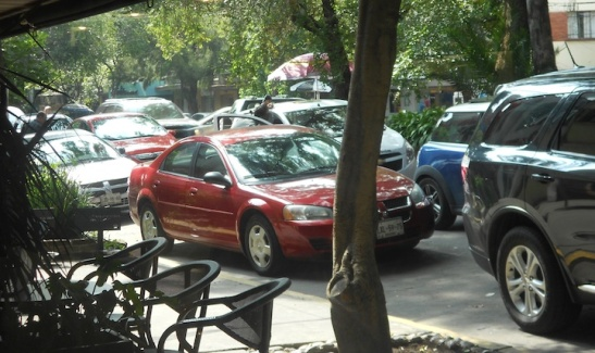 The scene outside Starbucks. A mess of cars, and no control by the cops.