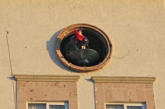 "The Fiesta Americana's ""cuckoo"" clock, featuring bullfighter and bull. (Photo: Darren Popik)"