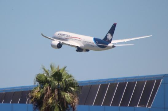 Aeromexico's 787 on takeoff from Monterrey. (Photo: Darren Popik)