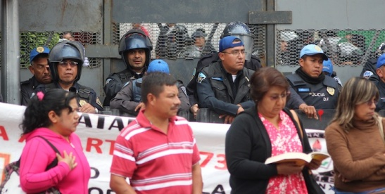 Protesting: It gives the police something to do. (Photo: MexDFmagazine)