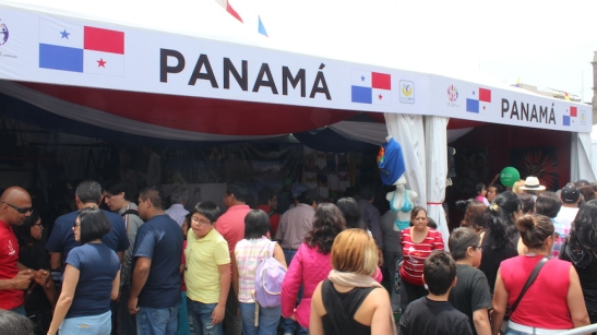 If you get annoyed at the crowds, go buy some Ron Abuelo from the Panamanian tent, and have a drink. (Photo: Darren Popik)